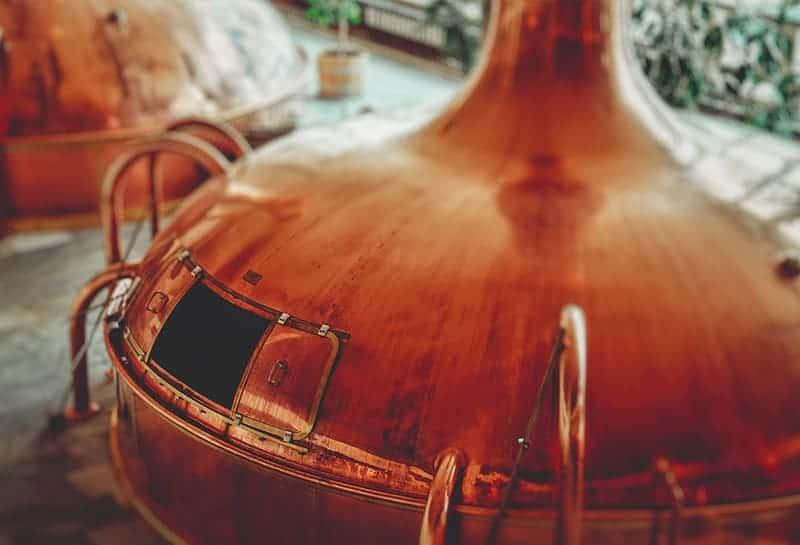 Hur tillverkar man gin?