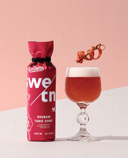 Swedish Tonic Syrup med smak av rabarber