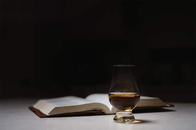 Läs om Whisky och dess historia